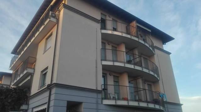 Appartamento in vendita a Gorla Minore, 3 locali, prezzo € 180.000 | CambioCasa.it