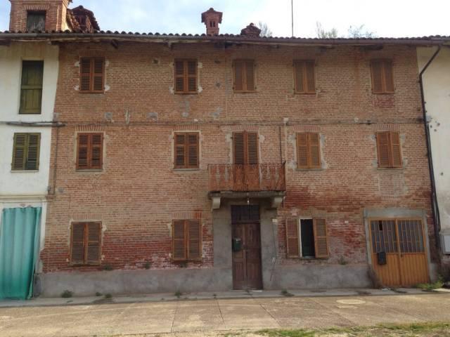 Rustico / Casale in vendita a San Damiano d'Asti, 6 locali, prezzo € 25.000 | CambioCasa.it