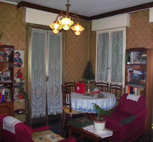 Appartamento in vendita a Formigine, 5 locali, prezzo € 110.000 | CambioCasa.it