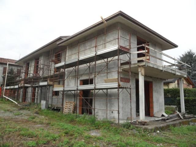 Villa in vendita a Inverigo, 6 locali, prezzo € 430.000 | CambioCasa.it