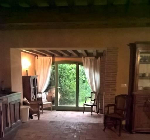 Rustico / Casale in vendita a Carmignano, 6 locali, prezzo € 670.000 | CambioCasa.it