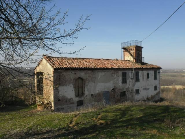 Rustico / Casale in vendita a Bruno, 6 locali, prezzo € 115.000 | CambioCasa.it