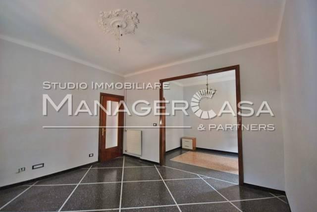 Appartamento in affitto a Genova, 4 locali, zona Zona: 8 . Sampierdarena, Certosa-Rivarolo, Centro Ovest, S.Teodoro, prezzo € 480   CambioCasa.it