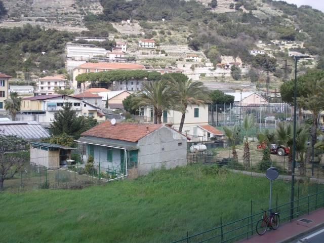 Appartamento in vendita a Vallecrosia, 3 locali, prezzo € 230.000 | CambioCasa.it