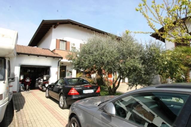 Villa in vendita a Pombia, 3 locali, prezzo € 210.000 | CambioCasa.it
