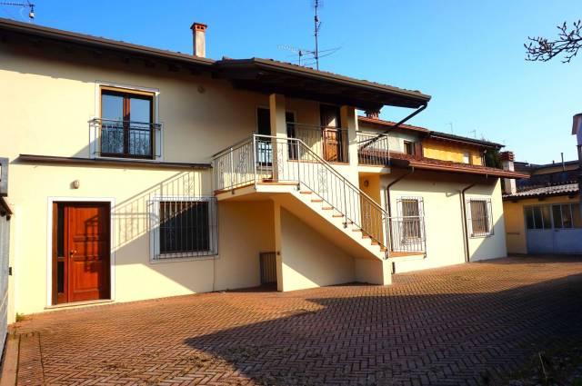 Villa in vendita a Ghedi, 6 locali, prezzo € 195.000 | CambioCasa.it