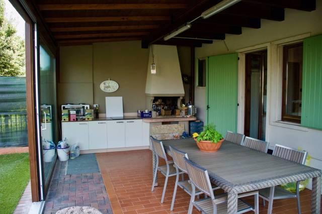 Villa in vendita a Verona, 5 locali, zona Zona: 12 . San Massimo, prezzo € 305.000 | CambioCasa.it