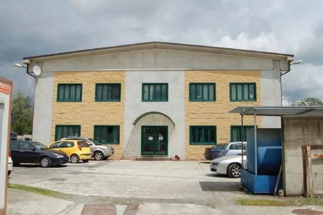 Capannone in vendita a Villanova Canavese, 6 locali, prezzo € 430.000 | CambioCasa.it