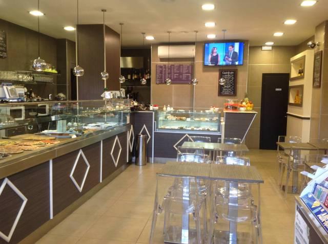 Ristorante / Pizzeria / Trattoria in vendita a Roma, 1 locali, zona Zona: 21 . Laurentina, prezzo € 100.000 | CambioCasa.it