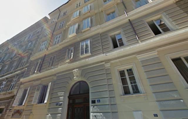 Appartamento in vendita a Trieste, 4 locali, prezzo € 159.000 | CambioCasa.it