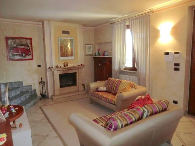 Villa in vendita a Asti, 5 locali, prezzo € 290.000 | CambioCasa.it