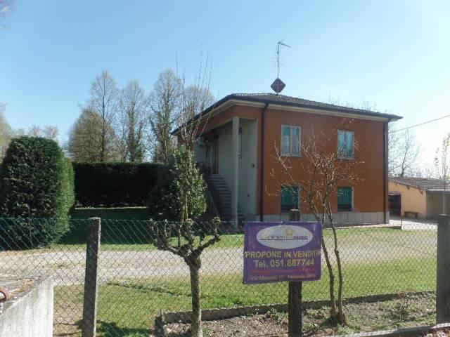 Villa in vendita a Molinella, 6 locali, prezzo € 219.000   CambioCasa.it