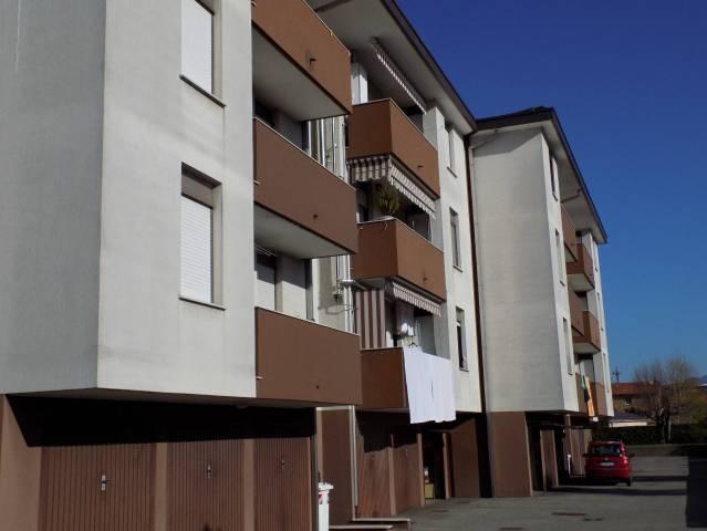 Appartamento in vendita a Olgiate Comasco, 4 locali, prezzo € 110.000 | CambioCasa.it