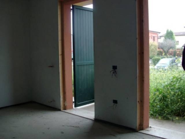 Appartamento in vendita a Rodigo, 4 locali, prezzo € 125.000 | CambioCasa.it