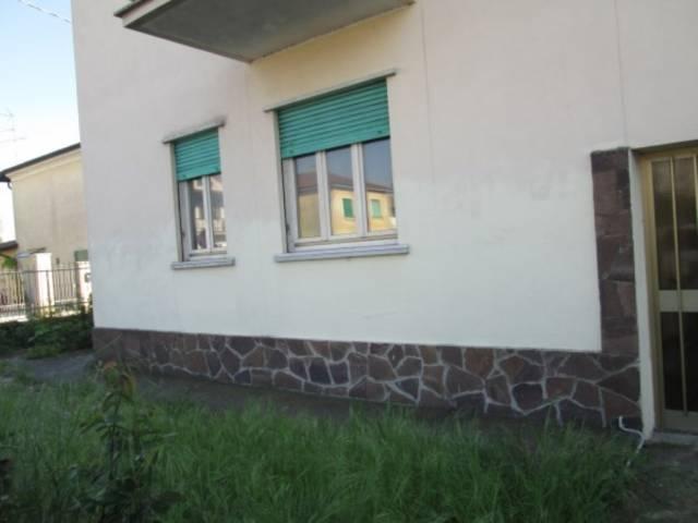 Appartamento in vendita a Marmirolo, 3 locali, prezzo € 59.000 | CambioCasa.it
