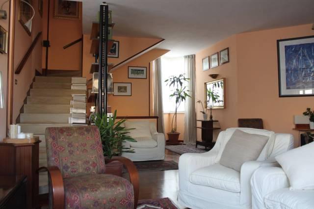 Villa in vendita a Palermo, 6 locali, prezzo € 440.000 | CambioCasa.it