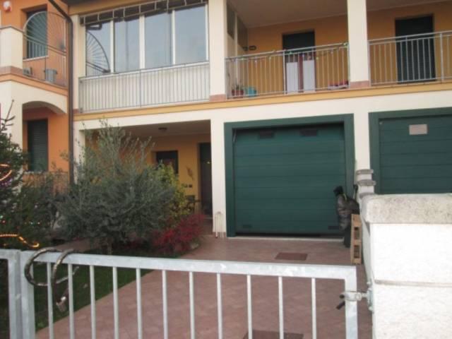 Villa a Schiera in vendita a Roverbella, 5 locali, prezzo € 210.000 | CambioCasa.it