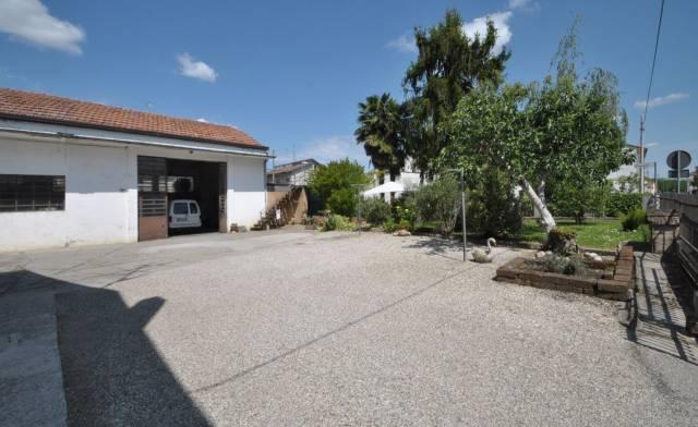 Capannone in vendita a Portomaggiore, 3 locali, prezzo € 55.000 | CambioCasa.it
