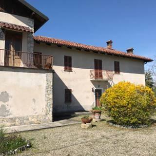 Rustico / Casale in vendita a Marentino, 6 locali, prezzo € 150.000 | CambioCasa.it