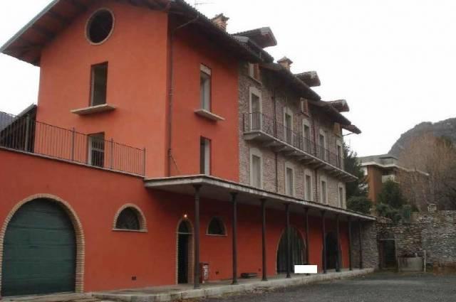 Soluzione Indipendente in vendita a Susa, 6 locali, prezzo € 160.000 | CambioCasa.it