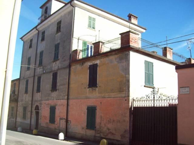 Appartamento in vendita a Tagliolo Monferrato, 5 locali, prezzo € 70.000 | CambioCasa.it