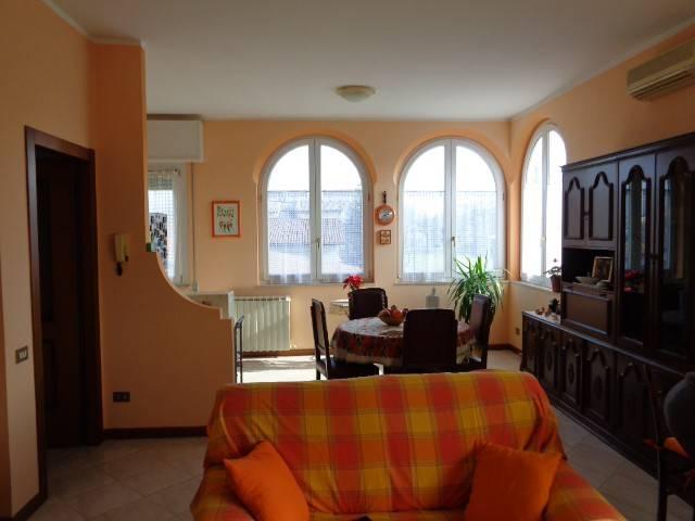 Villa in vendita a Cremona, 6 locali, prezzo € 370.000 | CambioCasa.it