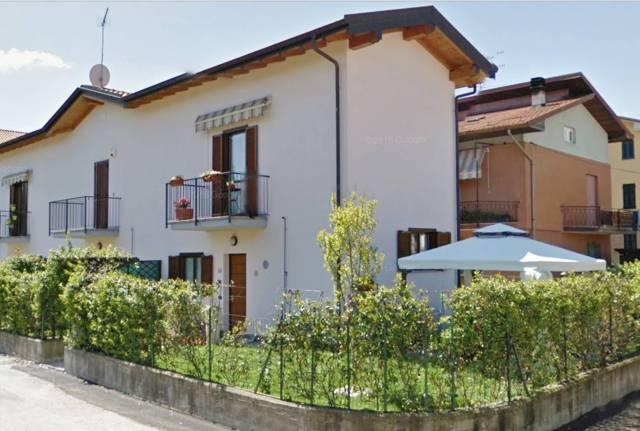 Villa a Schiera in Vendita a Azzate