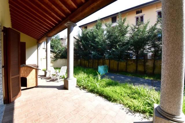 Appartamento in vendita a Lesmo, 2 locali, prezzo € 230.000 | CambioCasa.it