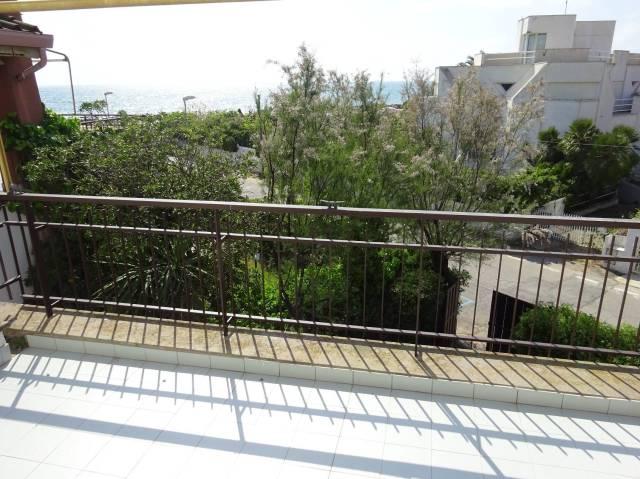 Villa in vendita a Santa Marinella, 5 locali, prezzo € 490.000 | CambioCasa.it