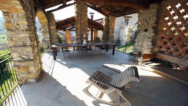 Villa in vendita a Montacuto, 6 locali, prezzo € 590.000 | CambioCasa.it