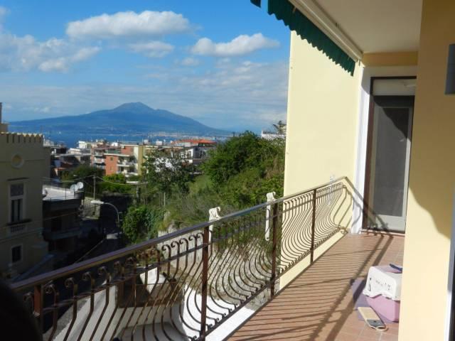Appartamento in vendita a Vico Equense, 3 locali, prezzo € 440.000 | CambioCasa.it