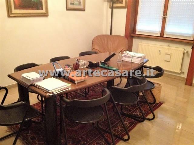 Ufficio / Studio in vendita a Rho, 2 locali, prezzo € 90.000 | CambioCasa.it