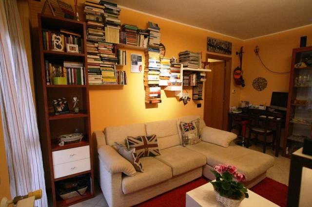 Appartamento in vendita a Cardano al Campo, 2 locali, prezzo € 89.000 | CambioCasa.it