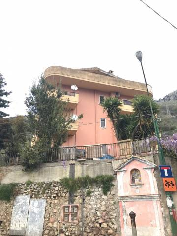 Appartamento in vendita a San Mango Piemonte, 3 locali, prezzo € 85.000 | CambioCasa.it