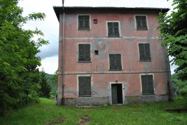 Rustico / Casale in vendita a Voltaggio, 6 locali, prezzo € 180.000 | CambioCasa.it