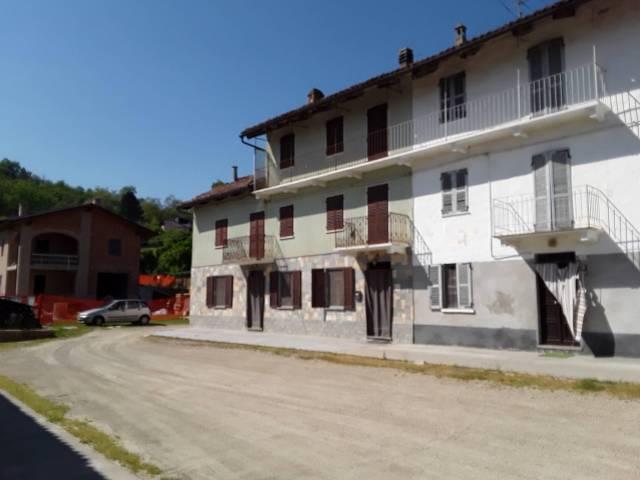 Rustico / Casale in vendita a San Damiano d'Asti, 6 locali, prezzo € 148.000 | CambioCasa.it