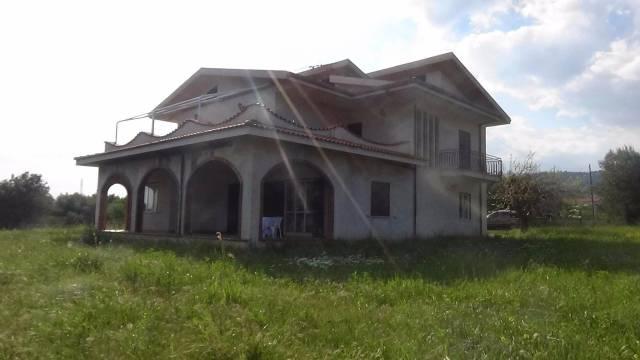Villa in vendita a Villapiana, 5 locali, Trattative riservate | CambioCasa.it