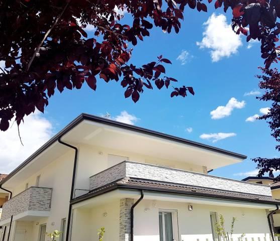 Attico / Mansarda in vendita a Cavenago di Brianza, 4 locali, prezzo € 379.000   CambioCasa.it