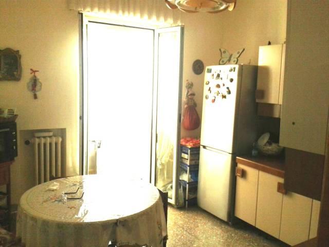 Appartamento in vendita a Ancona, 5 locali, prezzo € 140.000 | CambioCasa.it