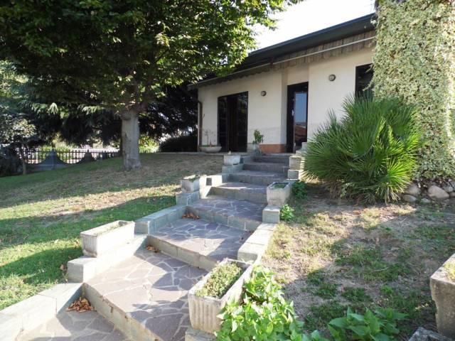Villa in vendita a Ossona, 6 locali, prezzo € 320.000 | CambioCasa.it