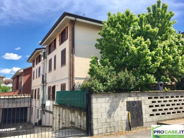 Appartamento in vendita a Caronno Pertusella, 2 locali, prezzo € 110.000 | CambioCasa.it
