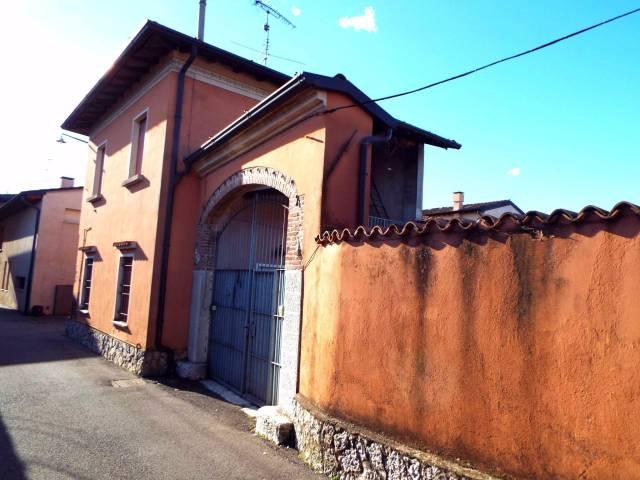 Rustico / Casale in vendita a Ghedi, 5 locali, prezzo € 99.000 | CambioCasa.it