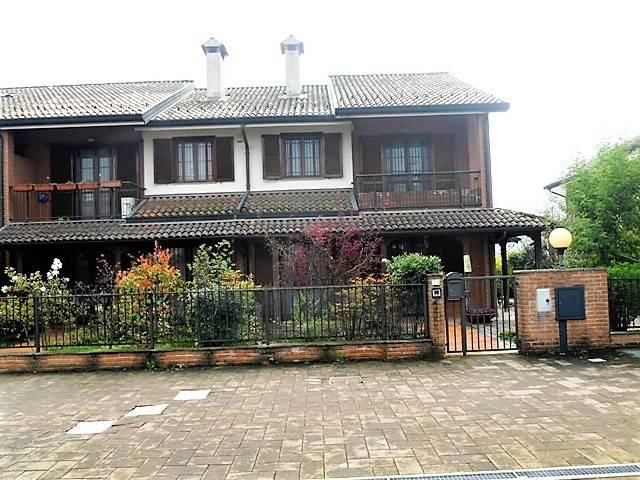 Villa a Schiera in Vendita a Rozzano