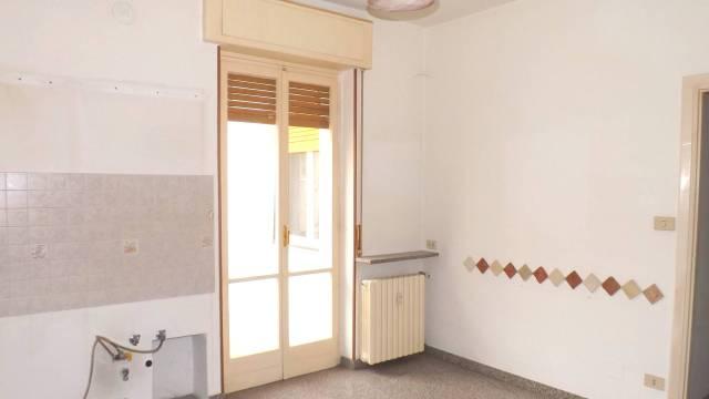 Appartamento in affitto a Acqui Terme, 4 locali, prezzo € 320 | CambioCasa.it