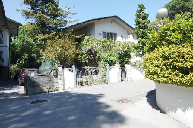 Villa in Vendita a Cervia - Milano Marittima
