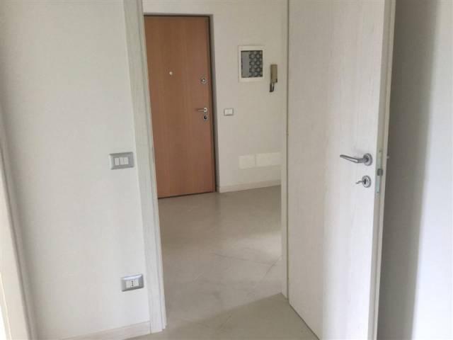 Appartamento in vendita a Ranica, 3 locali, prezzo € 135.000 | CambioCasa.it