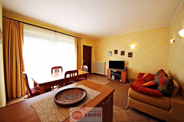 Appartamento in vendita a Piuro, 3 locali, prezzo € 185.000 | CambioCasa.it