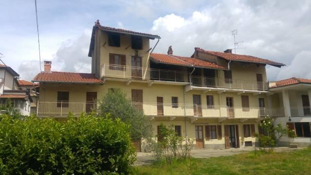 Rustico / Casale in vendita a Candia Canavese, 6 locali, prezzo € 80.000 | CambioCasa.it