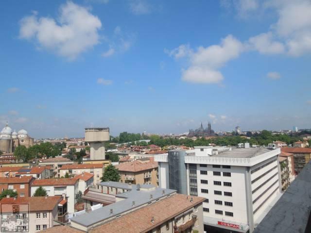 Appartamento in vendita a Padova, 5 locali, zona Zona: 4 . Sud-Est (S.Croce-S. Osvaldo, Bassanello-Voltabarozzo), prezzo € 230.000 | CambioCasa.it