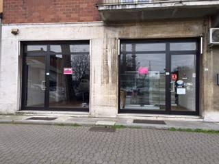 Negozio / Locale in affitto a Piacenza, 4 locali, Trattative riservate | CambioCasa.it